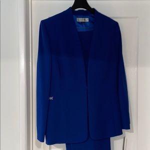 Amazing Cobalt Blue Tahari ASL Pants Suit